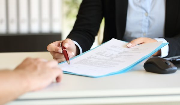 Three Reasons To Consult a Professional During Estate Administration Image